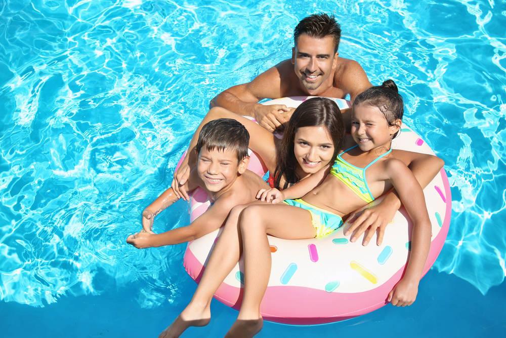 ¿No puedes ir a la playa en verano? La piscina en casa es la solución